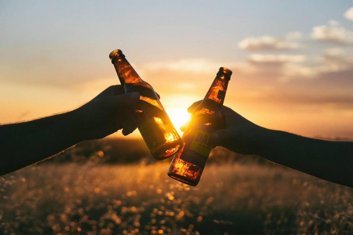 Alkohol schadet den Augen