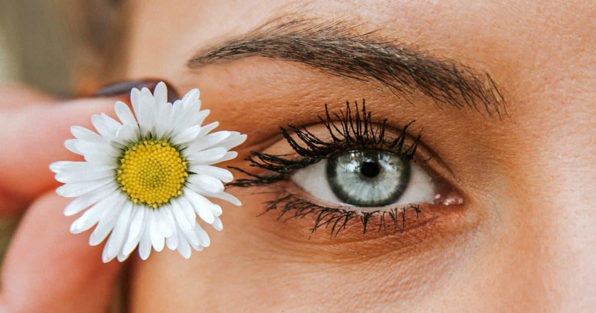 Augen Allergie – Symptome und Behandlung Augentropfen und Nasenspray