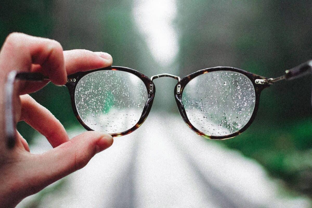 Beschlagene Brille Maske