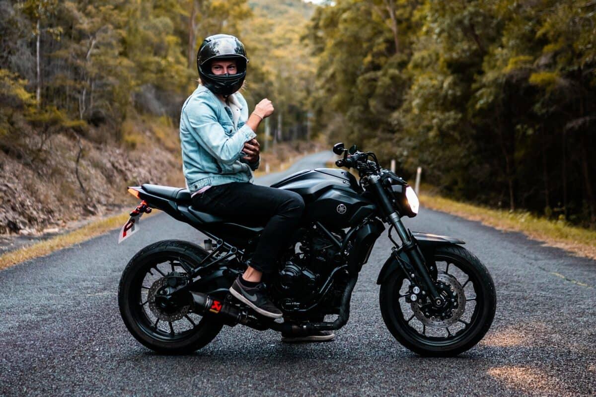 Motorradfahren mit Kontaktlinsen